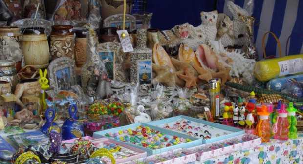 Продажа пляжных принадлежностей и сувениров