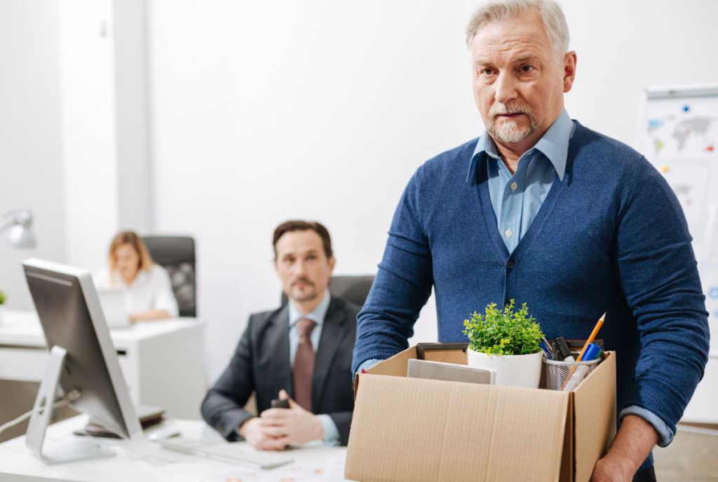 Как уволиться с работы пенсионеру