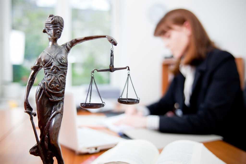 Сколько стоит стать адвокатом